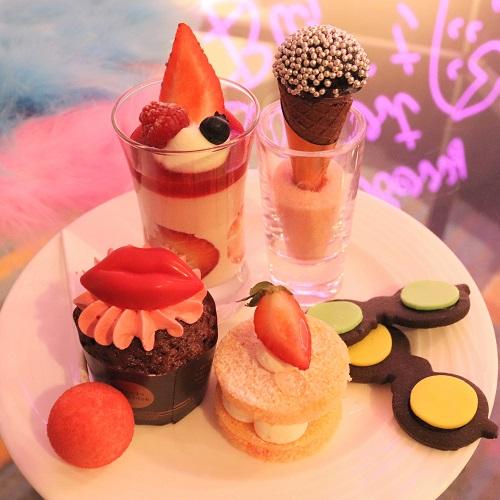 ヒルトン東京お台場のいちごビュッフェのデザート盛り