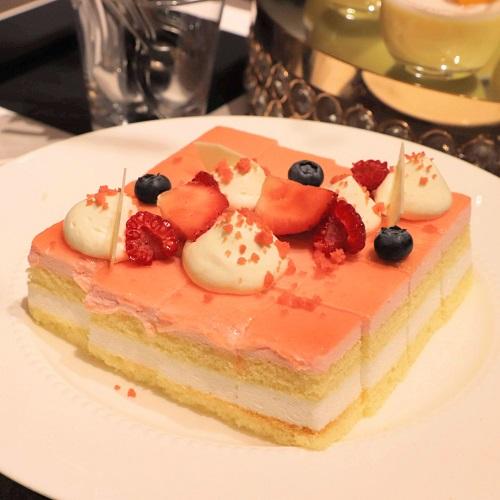 ストロベリーヨーグルトケーキ