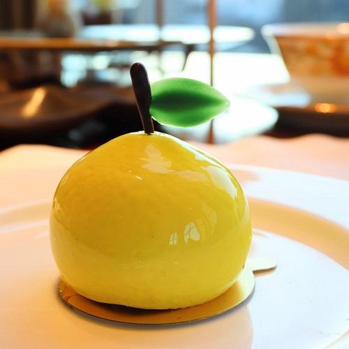 柚子ムースと抹茶のケーキ