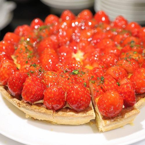 ザ・テラス(ウェスティンホテル東京)の苺のデザートビュッフェ(苺タルト)