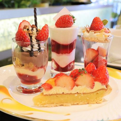 ザ・テラス(ウェスティンホテル東京)の苺のデザートビュッフェ(皿盛り2)