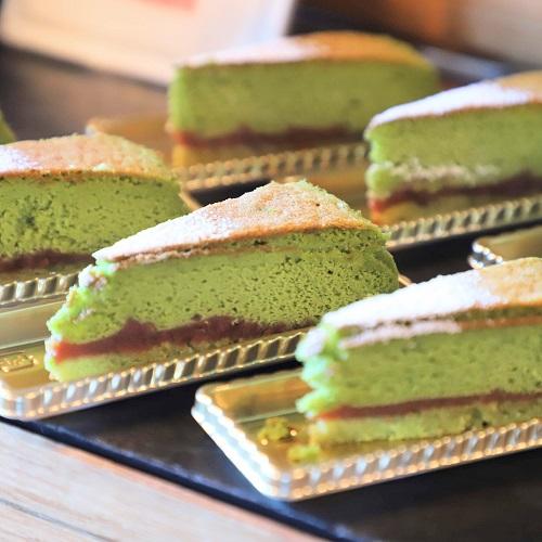 ホテルニューオータニ「ガーデンラウンジ」の抹茶ヘルシーケーキ