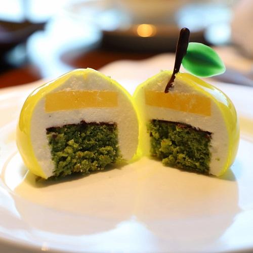 シャングリラホテル『MIYABI アフタヌーンティー』の柚子ムースの中身
