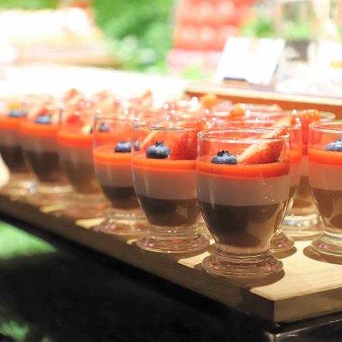 コンラッド東京『セリーズ』イチゴとチョコレートのベリーニ