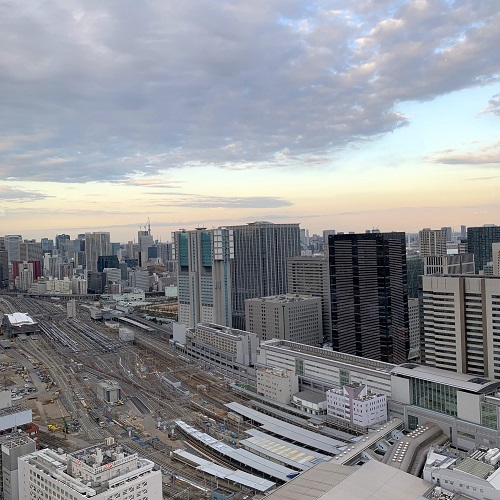 TABLE 9 TOKYOの眺望