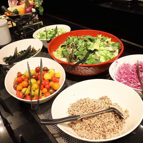 京王プラザホテル グラスコート サラダ