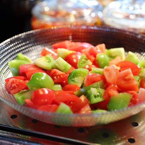 アーティストカフェのトマト
