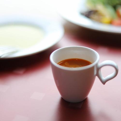 アーティストカフェのガンボスープ