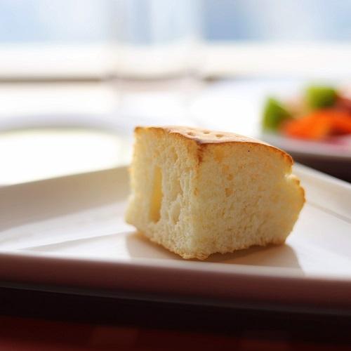 アーティストカフェのパン