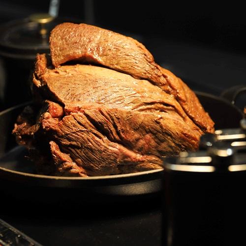 ハレーダビッドソン『肉ビュッフェ』グリロジーのローストビーフ