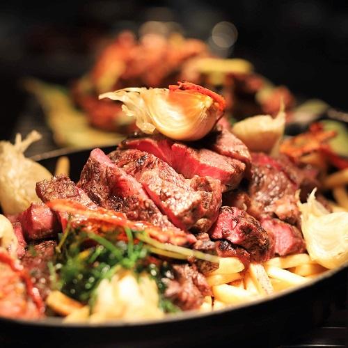 ハレーダビッドソン『肉ビュッフェ』グリロジーのステーキ