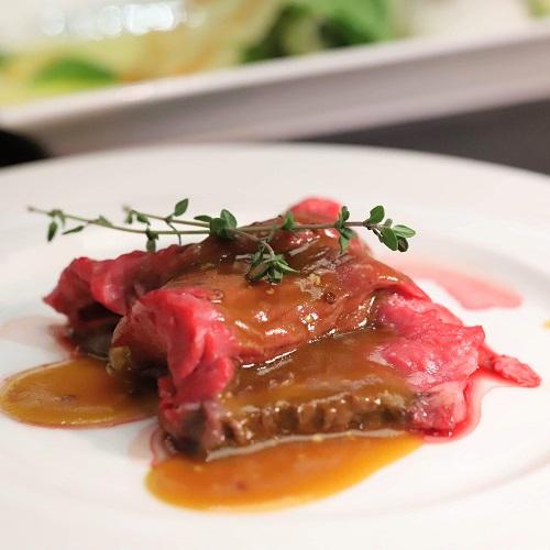 ハレーダビッドソン『肉ビュッフェ』グリロジーのローストビーフ3