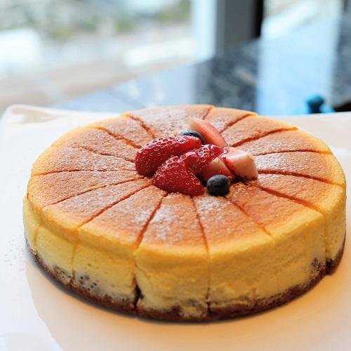 TABLE 9 TOKYO「いちごスイーツビュッフェ」スフレチーズケーキ