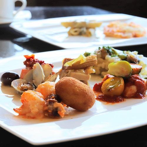 ANAインターコンチネンタルホテル東京『MIXX バー&ラウンジ』の皿盛り1