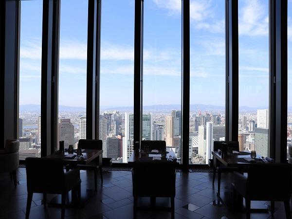 コンラッド大阪のストロベリースーツビュッフェの景色