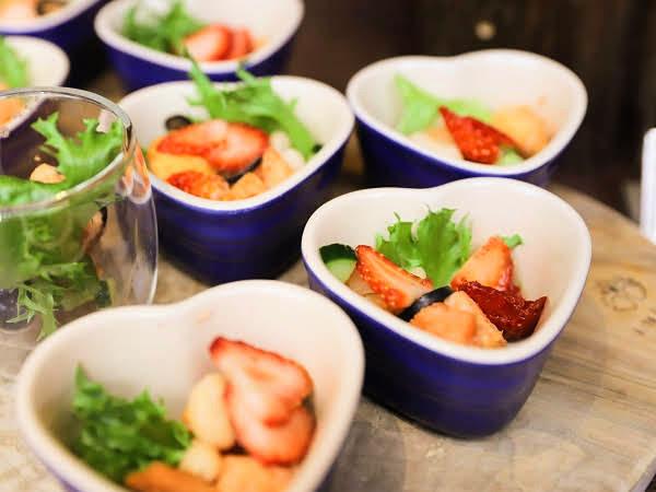 リッツカールトン大阪 ストロベリーデザートブッフェ「苺のパンツァネッラ」