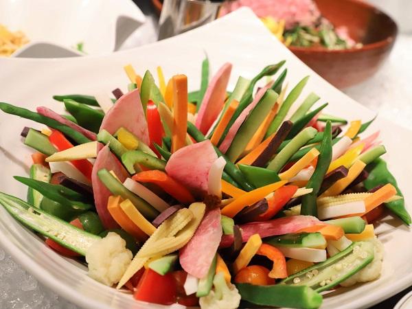 シェフズライブキッチン(インターコンチネンタル東京ベイ)彩り野菜のガーデニング風