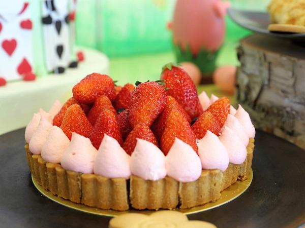 アリスのイースター デザート&ランチブッフェ(ホテル インターコンチネンタル 東京ベイ)ストロベリータルト
