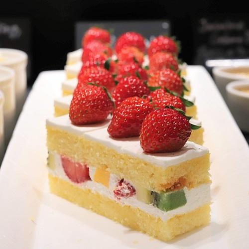 ウェスティンホテル東京『ザ・テラス』抹茶デザートビュッフェ2019(ショートケーキ)