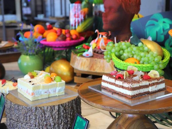 ヒルトン東京お台場 シースケープのデザートビュッフェ(ホコメロショートケーキ)