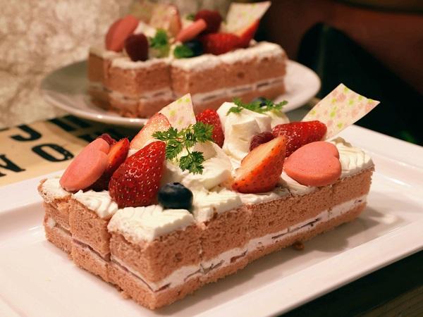 リーガロイヤルホテル大阪のいちごスイーツビュッフェ(ショートケーキ)