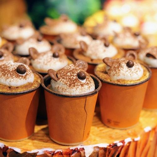 リーガロイヤルホテル大阪 いちごスイーツビュッフェ(くまのカップケーキ)