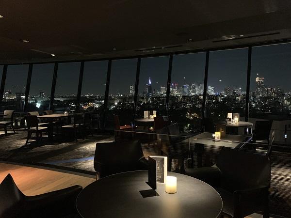 ホテルニューオータニ「ザ・スカイ」ビュッフェ(夜景)