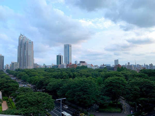 ヒルトン東京 ルーフトップテラス「天空のビアガーデン」(席2)