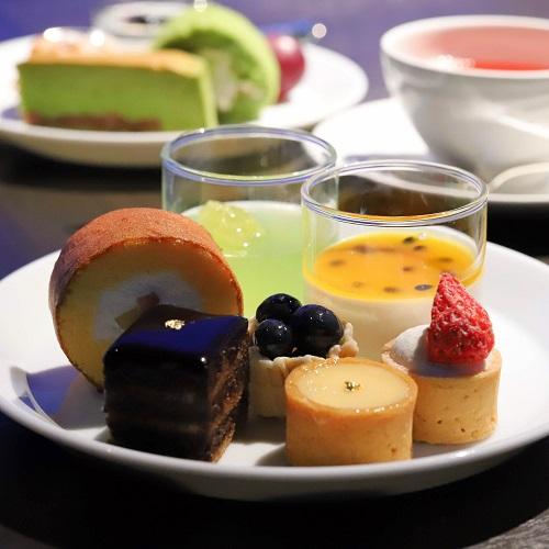 ホテルニューオータニ「ザ・スカイ」ビュッフェ(ケーキの盛り合わせ)