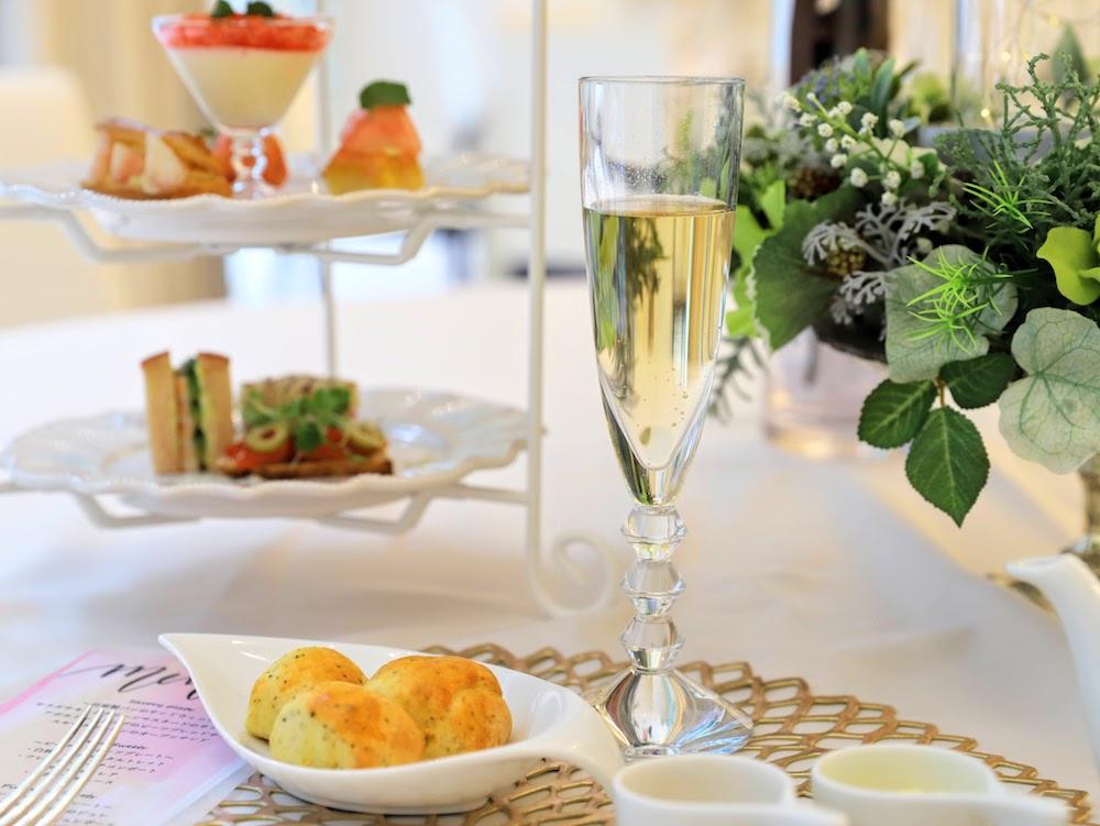 カフェ バイ セントラファエロチャペルギンザのアフタヌーンティー 乾杯ドリンク