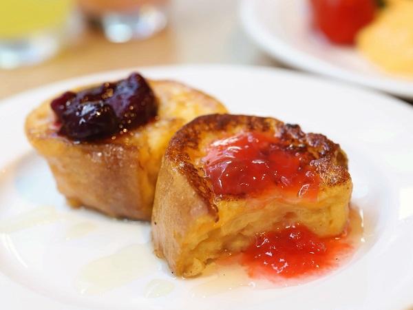 ホテルグレイスリー銀座の朝食ビュッフェ(フレンチトースト)