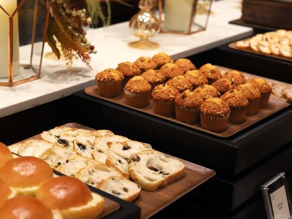 横浜ベイシェラトン「シーウインド」のナイトスイーツビュッフェ(自家製パン)