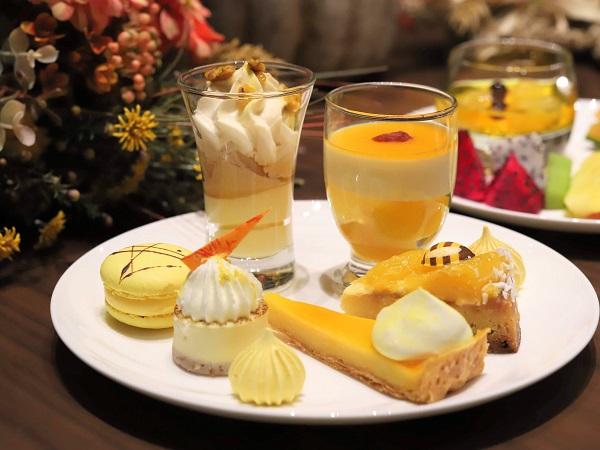 横浜ベイシェラトン「シーウインド」のナイトスイーツビュッフェ(皿盛り1)