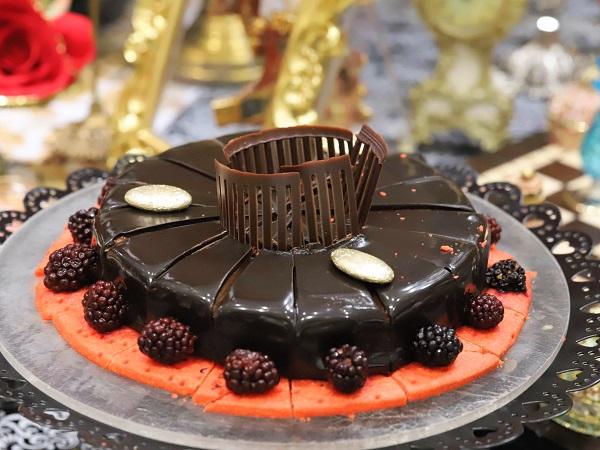 ヒルトン東京 マーブルラウンジのスイーツビュッフェ「アリスinローズ・ラビリンス」(チョコレートケーキ)