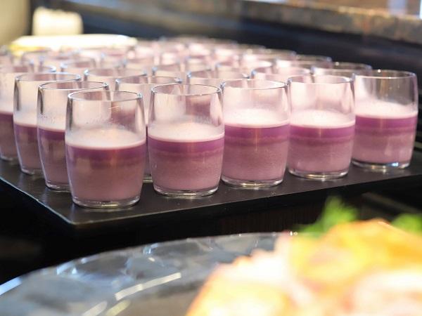 グランドプリンスホテル新高輪|ザクロ品川の紫芋のスープ