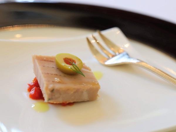 グランドプリンスホテル高輪「ル・トリアノン」はじめの一皿