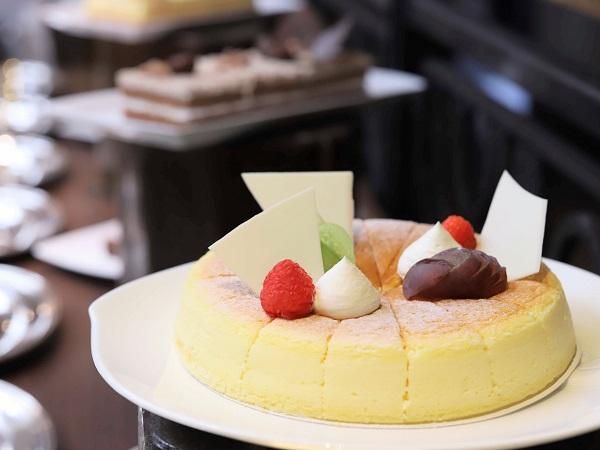リッツカールトン大阪のランチブッフェ(チーズケーキ)