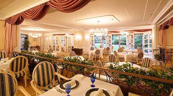グランドプリンスホテル高輪「ル・トリアノン」店内の様子