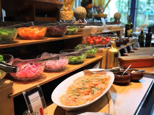 ANAクラウンプラザホテル大阪のランチブッフェ(前菜コーナー)