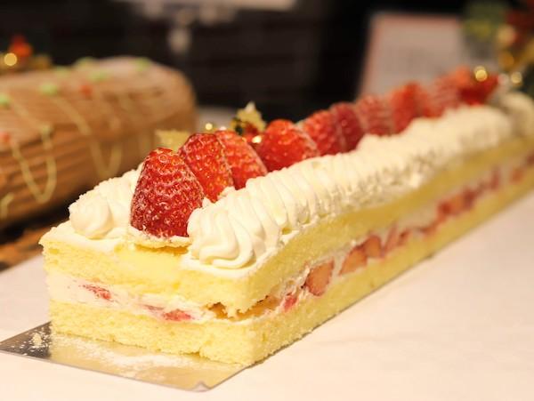 サンシャインシティプリンスホテルのディナービュッフェ|シェフズパレット(苺のショートケーキ)