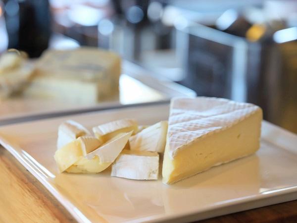 セントレジスホテル大阪のビュッフェ(チーズ)
