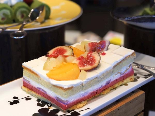 インターコンチネンタルホテル大阪のランチブッフェ(ショートケーキ)