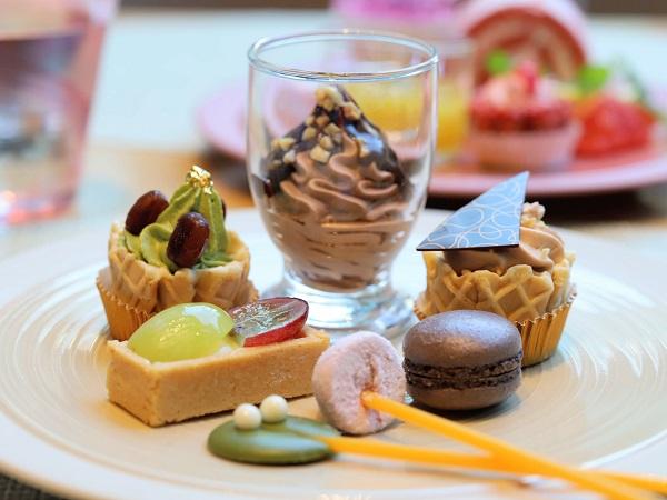 ANAクラウンプラザホテル大阪のランチブッフェ(スイーツ皿盛り2)