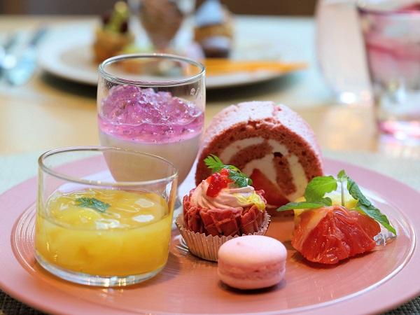 ANAクラウンプラザホテル大阪のランチブッフェ(スイーツ皿盛り)