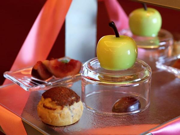 ANAクラウンプラザホテル大阪のアフタヌーンティー(青りんごのムース)