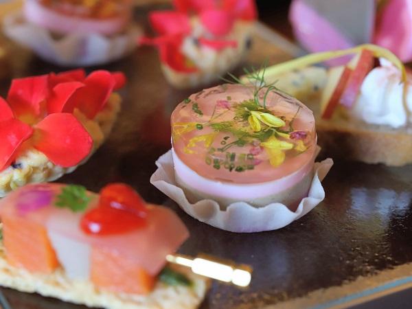 ANAクラウンプラザホテル大阪のアフタヌーンティー(3色野菜のピュレ)