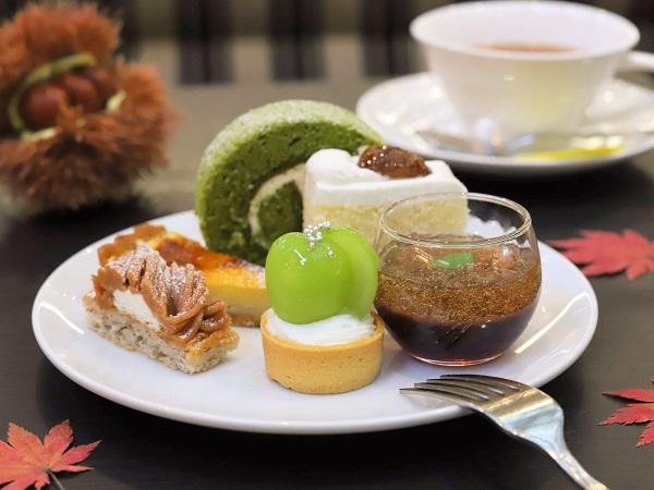 ホテルニューオータニ大阪「SATSUKI LOUNGE」のスイーツ&サンドウィッチビュッフェ