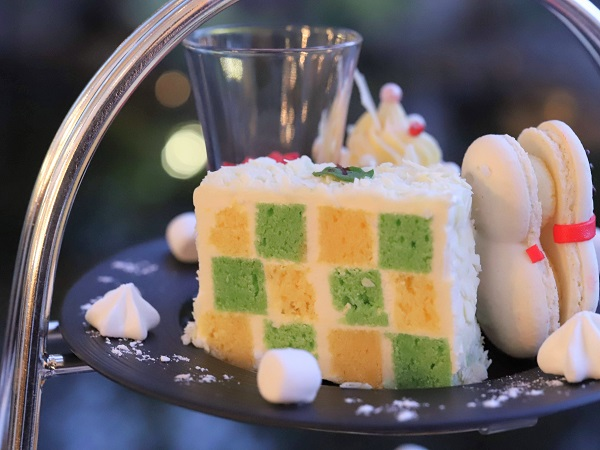 ウェスティンホテル大阪のアフタヌーンティー(モザイクケーキ)