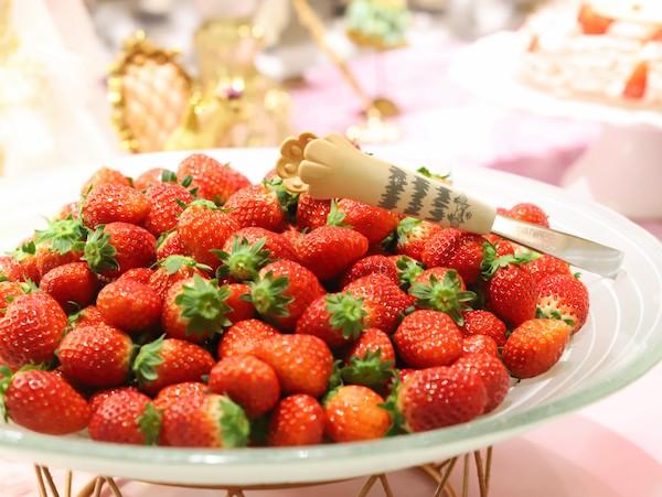 ヒルトン東京のいちごのデザートビュッフェ|苺