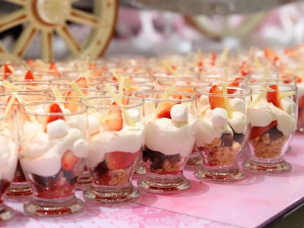 ヒルトン東京のいちごのデザートビュッフェ|いちごのパフェ